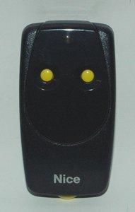 Handzender Nice BT2K, 2-kanaals, 40.685 MHz